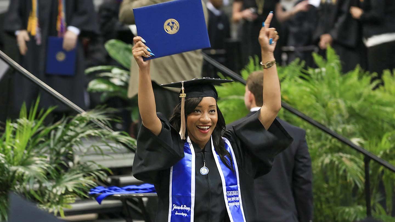 7045137fad0 UAH - Registrar - Commencement - University Honors and Honor Societies