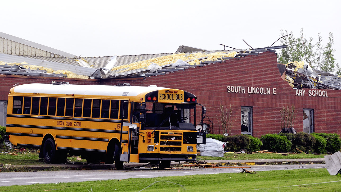 tornado-south lincoln school