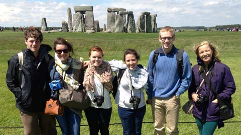 Photo Students to Study in England this Summer