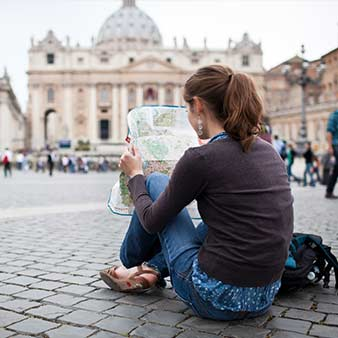 UAH introduces new course on the sociology of tourism and travel