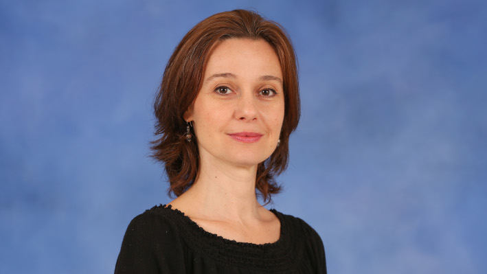 Dr. Ariana Arcu