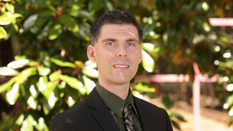 Dr. Hank Alewine