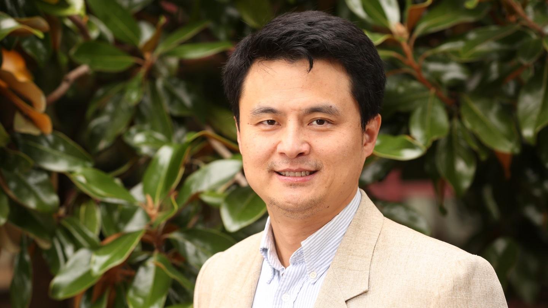 Dr. Kevin Bao