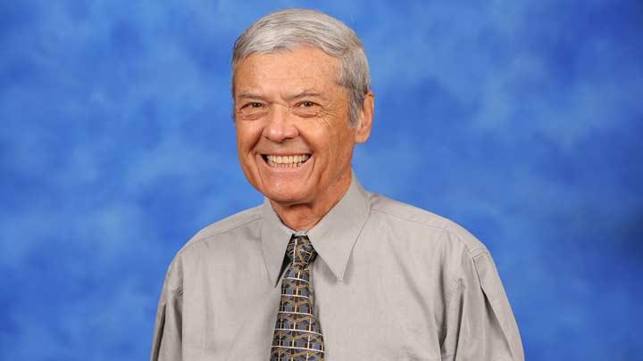 Dr. Claudio Morales