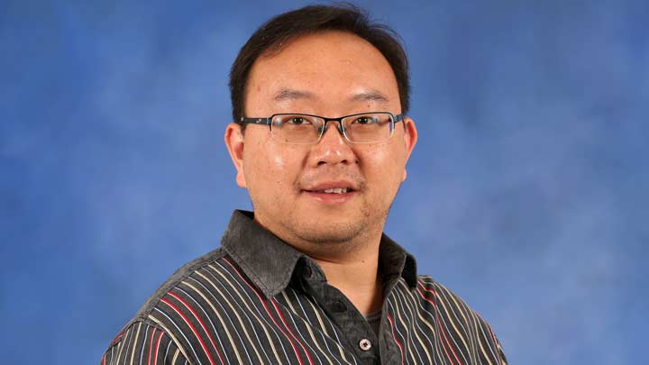 Dr.  Rongxin Luo