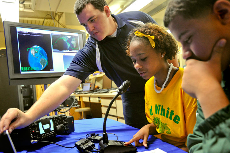 Middle School Students Contact the International Space Station.