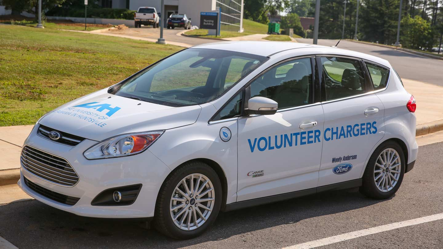 volunteer chargers car
