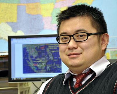 UAH atmospheric science graduate student Nan Feng is  the winner of a NASA Earth science fellowship for the 2013-14 academic year.