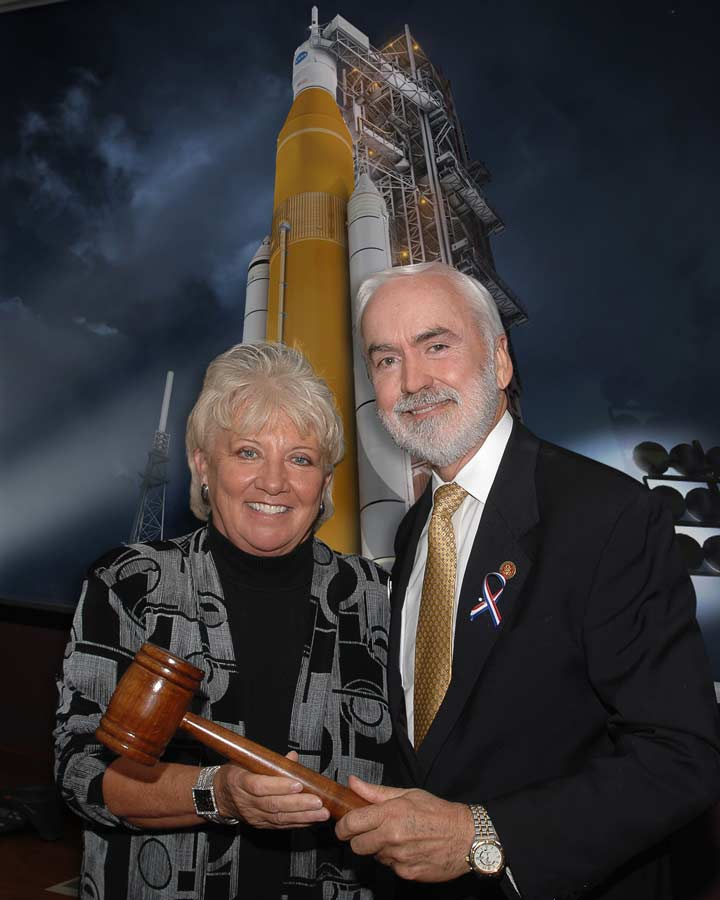 suzy new chairman of alabama space science exhibition commissionhalf