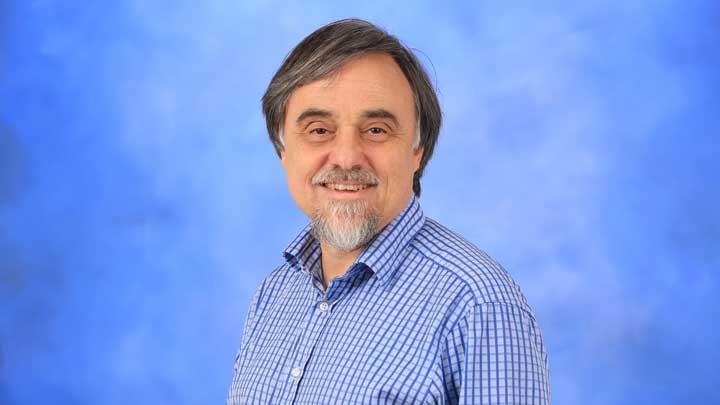 Dr. Arne Croell